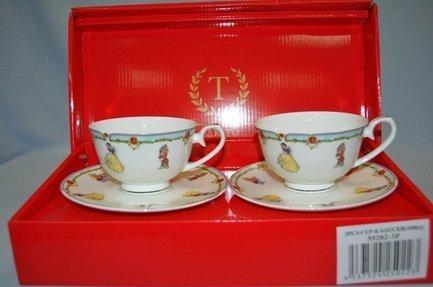 Набор чашек Белоснежка голубая кайма (0.25 л) на 2 персоны, 4 пр.Распродажа<br>Две чайные пары в одном наборе – это очень удобно, красиво и практично. С этим набором можно быстро сервировать чаепитие на двоих и выпить чашку горячего чая с лучшим другом. Крепкий ароматный напиток в белоснежной фарфоровой чашке выглядит очень красиво и остается горячим довольно долго. На маленькое блюдце удобно класть чайную ложечку или небольшой десерт к чаю - конфеты или печенье.<br><br>Серия: Белоснежка<br>Состав: Чашка (0.25 л) - 2 шт., Блюдце - 2 шт.