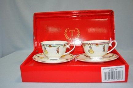 Набор чашек Белоснежка голубая и розовая кайма (0.25 л) на 2 персоны, 4 пр.Распродажа<br>Две чайные пары в одном наборе – это очень удобно, красиво и практично. С этим набором можно быстро сервировать чаепитие на двоих и выпить чашку горячего чая с лучшим другом. Крепкий ароматный напиток в белоснежной фарфоровой чашке выглядит очень красиво и остается горячим довольно долго. На маленькое блюдце удобно класть чайную ложечку или небольшой десерт к чаю - конфеты или печенье.<br><br>Серия: Белоснежка<br>Состав: Чашка (0.25 л) - 2 шт., Блюдце - 2 шт.