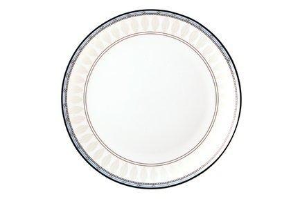 Набор тарелок Британия, 25 см, 6 шт.Тарелки и Блюдца<br>Плоские тарелки среднего размера универсальны. Это обеденные тарелки из костяного фарфора, которые незаменимы для подачи гарнира и горячего блюда. Также плоские тарелки можно использовать, как подстановочные для салатников малого диаметра и пиал.<br><br>Серия: Британия
