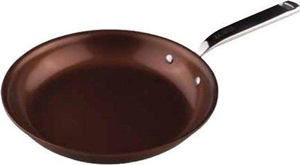 Сковорода Siena, 28х5 смСковороды<br>С помощью этой замечательной сковороды из алюминия вы сможете жарить мясо или птицу, пассеровать или тушить овощи. Ее безопасное антипригарное из керамики покрытие не позволит прилипнуть пище ко дну или подгореть. Сковорода подходит для использования на всех видах варочных поверхностей, а также в духовке.<br><br>Серия: Siena