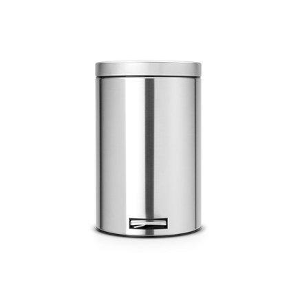 Мусорный бак с педалью (20л)Мусорные баки<br>Этот стильный мусорный бак оснащен внутренним металлическим ведром, которое имеет специальные отверстия для дополнительной вентиляции и облегчает процесс изъятия мусорного мешка. Бак бесшумно открывается и закрывается с помощью удобной педали. Имеет удобную ручку для переноски и дополнительное съемное ведро внутри.<br><br>Серия: Pedal Bin