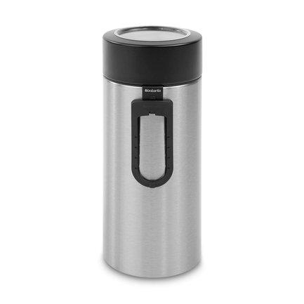 Контейнер с ложкой (2.2 л)Банки для сыпучих<br>Вместительный контейнера из нержавеющей стали отлично подходит для хранения сыпучих продуктов (сахара, муки, круп, чая, кофе). К емкости в комплекте идет мерная ложечка на магните. Контейнер выполнен в стильном элегантном дизайне и будет отлично смотреться в интерьере любой кухни.<br>