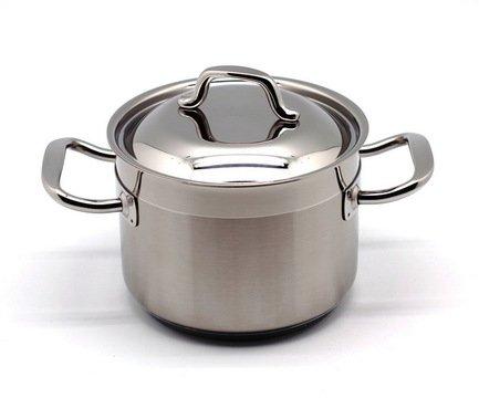 Глубокая кастрюля Проф 2000 (1.5л), 14 смКастрюли<br>Эта стильная глубокая кастрюля - идеальная утварь для приготовления различных гарниров и супов на небольшое количество порции. Она изготовлена из качественной стали, поэтому отличается особой прочностью и долговечностью.<br><br>Серия: Проф 2000