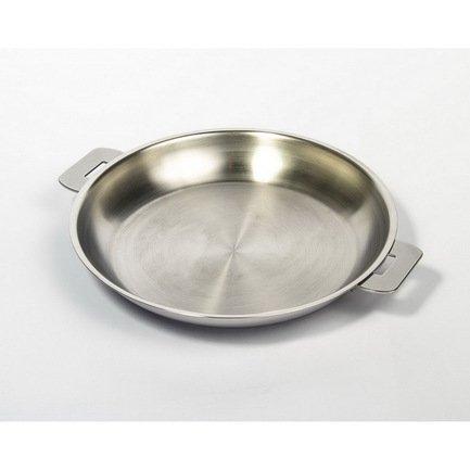 Сковорода L Enveloppant, 22 см, матированная (P22QL)Сковороды<br>Все сковороды Cristel имеют многослойное дно, которое равномерно распределяет тепло по поверхности, предотвращая пригорание пищи. В них вы можете сократить количество масла и воды, используя жиры и влагу, содержащиеся в продуктах. Сковорода идеальна для приготовления здоровой пищи из любого вида продуктов: мяса или овощей. Крышка и съемные ручки выбираются отдельно. В сковороде без ручек можно запекать блюда в духовке.<br><br>Серия: L Enveloppant