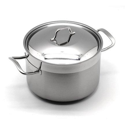 Глубокая кастрюля Pro Julia Vysotskaya (5.2 л), 22х14.5 смКастрюли<br>Глубокая кастрюля такого объема незаменима в доме, где приходится готовить на большое количество человек. В ней также удобно варить варенье или делать заготовки на зиму. Изготовлена из качественной стали, поэтому отличается особой прочностью и долговечностью.<br><br>Серия: Pro Julia Vysotskaya
