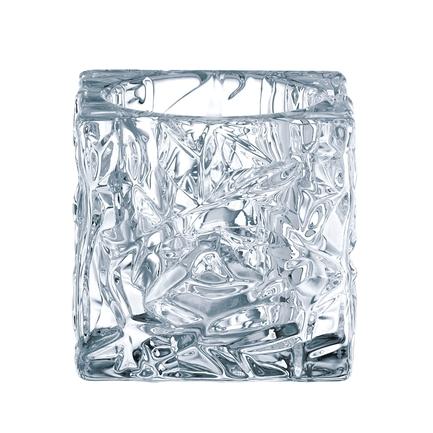 Набор из 2-х подсвечников Ice Cube, 7 смПодсвечники<br>Невысокие подсвечники оригинальной формы способны создать необычайно уютную атмосферу в помещении или добавить романтичности сервировке стола. Поместите в них свечу, и комната наполнится спокойным и ровным светом, огонь будет сверкать и переливаться в прозрачных стенках из хрусталя.<br>