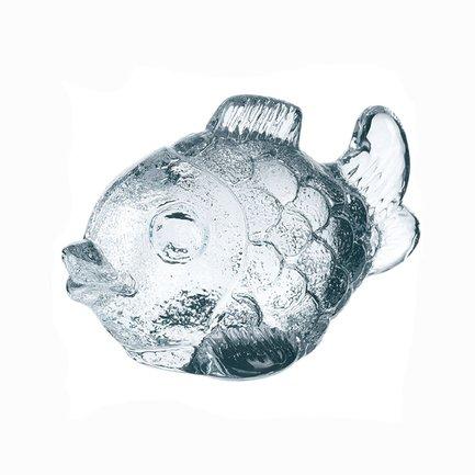 Фигурка Рыба, 6 см, прозрачнаяАксессуары для сервировки<br>Эта симпатичная Рыбка изготовлена из прозрачного цветного хрусталя. Невысокая хрустальная фигурка – красивый декоративный элемент для любого помещения или сервировки стола. Особенно хорошо Рыба смотрится рядом с подсвечником с горящей свечей: хрусталь переливается и играет в отблесках пламени свечи, создавая теплую и уютную атмосферу.<br><br>Серия: Nachtmann Zoo