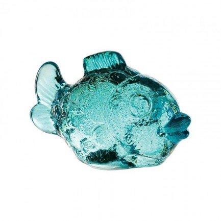 Фигурка Рыба, 6 см, бирюзоваяАксессуары для сервировки<br>Эта симпатичная Рыбка изготовлена из прозрачного цветного хрусталя. Невысокая хрустальная фигурка – красивый декоративный элемент для любого помещения или сервировки стола. Особенно хорошо Рыба смотрится рядом с подсвечником с горящей свечей: хрусталь переливается и играет в отблесках пламени свечи, создавая теплую и уютную атмосферу.<br><br>Серия: Nachtmann Zoo