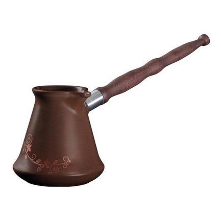 Турка Ibriks (0.35 л), шоколад с декоромКофеварки гейзерные и Турки<br>Турка - классическая посуда для приготовления кофе. В небольшой керамической турке с узким горлышком кофе варится по всем правилам и получается густым, насыщенным и ароматным. Готовый напиток не нужно процеживать, гуща остается в кофе, что сохраняет в нем все вещества кофейных зерен.<br><br>Серия: Ibriks
