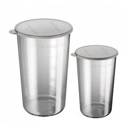 Набор стаканов к блендеру Bamix 450.006, 2 пр.Насадки и Аксессуары<br>Форма и комплектация стаканов, входящих в набор, продумана так, что их можно использовать для самых разных кулинарных нужд. Герметичность крышек позволяет хранить в них продукты, мерная шкала обеспечивает точность рецептуры при приготовлении блюд. Стаканы изготовлены из очень прочного поликарбоната, а потому их можно спокойно помещать в микроволновую печь, морозильную камеру и посудомоечную машину.<br><br>Состав: Стакан (300 мл) - 1 шт., Стакан (600 мл) - 1 шт.