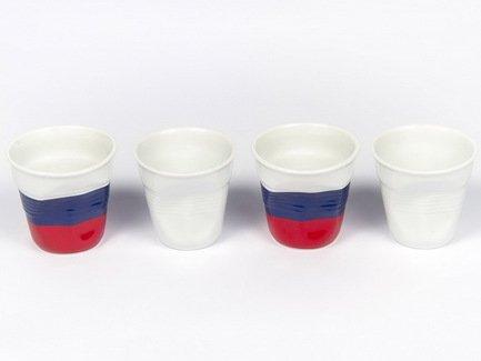 Набор мятых стаканов Фруаз (80 мл) в подарочной упаковке, 4 шт., 2 белых + 2 флаг России (FR206)Стаканы<br>Изготовленные из жаропрочного фарфора стаканы сохраняют оптимальную температуру крепкого эспрессо. Оригинальный дизайн вызывает желание немедленно насладиться вкусом и ароматом этого кофейного напитка.<br><br>Серия: Froisses
