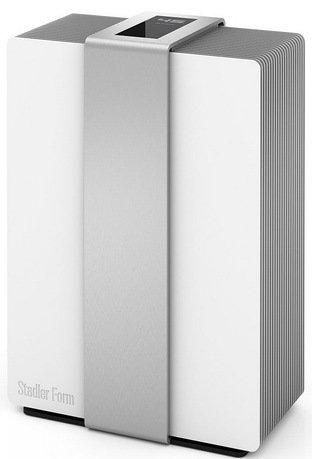 Мойка воздуха Robert silverУвлажнители и Очистители воздуха<br>Революционно новый прибор для очистки воздуха Robert создает комфортный климат во всем доме. Круглый год это стильное на вид устройство способно очищать воздух в помещении площадью до 80 м2 от бытовой пыли, пыльцы, шерсти животных и других частиц, которые в большом количестве содержатся в воздухе. Мойка воздуха Роберт бережно очистит воздух в помещении, увлажнит его и распространит ваш любимый аромат, если вы нальете несколько капель ваших любимых эфирных масел.     Тихий, но эффективный воздухоочиститель и увлажнитель Robert отличается экономностью. При всей своей внушительной мощности электроэнергии для работы ему требуется всего 7Вт. То, что это устройство действительно промывает воздух, вы поймете, посмотрев на поддон устройства. Скапливающиеся там за день загрязнения, собранные в воздухе, выглядят очень внушительно.     В комплекте с климатическим прибором Robert идут антибактериальный картридж Ionic Silver Cube и фильтр Anticalc, смягчающий воду. За счет вращающихся дисков и естественного испарения воды воздух, попадающий в корпус этой мойки, хорошо чистится от загрязнений, размер которых не превышает 0,3 микрон.     Ухаживать за самим прибором несложно. Несмотря на свою инновационную оснащенность, особых требований по его эксплуатации нет. Увлажнитель-очиститель Robert лучше размещать в части комнаты с лучшей циркуляцией воздуха. Во время работы прибора окна и двери помещения рекомендуется закрывать. Съемные части устройства, например поддон, легко моются. Производитель дает на это устройство гарантию один год, но при правильной эксплуатации Robert прослужит вам гораздо дольше.     Очиститель представлен в стильном, элегантном и надежном корпусе с алюминиевым покрытием. На верхней части корпуса - прочной алюминиевой панели толщиной 4 мм - находится дисплей управления. Это сенсорная панель, удивляющая своими мультимедиа возможностями. В спящем режиме Robert показывает текущий уровень влажности. Что