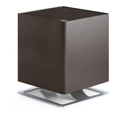 Увлажнитель традиционный Oskar bronze (3.5 л), бронзовыйУвлажнители и Очистители воздуха<br>В модели Oskar простой и лаконичный дизайн удачно сочетается с функциональностью и удобством. Этот компактный увлажнитель воздуха быстро повысит уровень влажности в помещении и хорошо впишется в любой стиль интерьера. Благодаря наличию фильтра с ионами серебра Silver Cube &amp;trade; прибор не только эффективно увлажняет воздух, но и очищает его от загрязнения. Увлажнитель может работать в нескольких режимах скоростей, а также предусмотрен ночной режим, в котором он работает практически бесшумно. В специальный отсек можно помещать аромо-масла, которые распространят по комнате ваш любимый аромат. Увлажнитель оснащен функцией автоотключения через 2, 4, 8 часов работы.     Характеристики:   Высота: 29 см  Ширина: 24.3 см  Глубина: 24.3 см  Мощность: 18 Вт  Емкость резервуара: 3.5 л  Увлажнение: 300 мл/час<br>