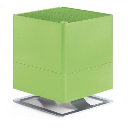 Увлажнитель традиционный Oskar lime (3.5 л), лаймУвлажнители и Очистители воздуха<br>В модели Oskar простой и лаконичный дизайн удачно сочетается с функциональностью и удобством. Этот компактный увлажнитель воздуха быстро повысит уровень влажности в помещении и хорошо впишется в любой стиль интерьера. Благодаря наличию фильтра с ионами серебра Silver Cube &amp;trade; прибор не только эффективно увлажняет воздух, но и очищает его от загрязнения. Увлажнитель может работать в нескольких режимах скоростей, а также предусмотрен ночной режим, в котором он работает практически бесшумно. В специальный отсек можно помещать аромо-масла, которые распространят по комнате ваш любимый аромат. Увлажнитель оснащен функцией автоотключения через 2, 4, 8 часов работы.     Характеристики:   Высота: 29 см  Ширина: 24.3 см  Глубина: 24.3 см  Мощность: 18 Вт  Емкость резервуара: 3.5 л  Увлажнение: 300 мл/час<br>