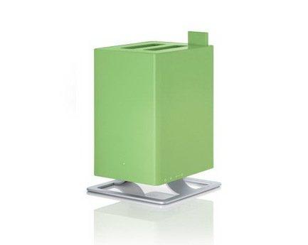 Увлажнитель воздуха ультразвуковой Anton lime (2.5 л), 28.6х18.4х18.4 см, лаймУвлажнители и Очистители воздуха<br>Простой в обращении, тихий ультразвуковой увлажнитель воздуха Anton очень удобен для использования в небольших комнатах и офисах. Модель приятна отсутствием лишних деталей и подойдет любителям строгого и лаконичного дизайна. Для эффективной работы увлажнителя лучше использовать фильтрованную или дистиллированную воду. Благодаря наличию фильтра с ионами серебра Silver Cube прибор не только эффективно увлажняет воздух, но и очищает его от загрязнения. Световая индикация показывает уровень воды в резервуаре, поэтому работу прибора легко контролировать. Увлажнитель укомплектован специальным фильтром против накипи воды Anticalc, который предотвращает образование известкового и кальциевого налетов. В специальный отсек можно помещать аромо-масла, которые распространят по комнате ваш любимый аромат. Увлажнитель можно оставлять включенным даже на ночь благодаря специальному режиму, который отключает подсветку и снижает уровень шума.     Характеристики:   Высота: 28.6 см  Ширина: 18.4 см  Глубина: 18.4 см  Мощность: от 16 до 18 Вт  Емкость съемного резервуара: 2.5 л  Увлажнение: 120 мл/час  Напряжение: 100-240 V  Площадь помещения 25 м   Объем помещения 63 м  Расход воды 170 г/ч<br>