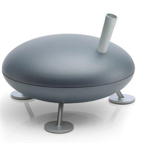 Увлажнитель паровой Fred humidifier silver, 36.3x26.7 см, серебряныйТехника<br>Увлажнитель воздуха Fred невероятно интересен своим лаконичным, необычным и безопасным дизайном. Кому-то он напомнит летающую тарелку, кому-то домашнее животное, но точно никого Fred не оставит равнодушным. Этот паровой увлажнитель отлично подойдет для любой комнаты, а особенно детской. Он работает бесшумно, хорошо поднимает уровень влажности в помещении, не снижает температуру. Его конструкция безопасна: ножки устойчиво фиксируют прибор на поверхности, а трубка для пара предотвращает попадание испарений на панель управления. Увлажнитель укомплектован специальным фильтром против накипи воды Anticalc, способным предотвратить образование известкового и кальциевого налетов. Прибор может работать в активном режиме для быстрого увлажнения, и в энергосберегающем, идеально подходящем для ночного времени. Увлажнитель оснащен функцией автоотключения, которая отключает прибор, когда влажность в помещении достигает необходимого уровня. Интенсивность пароотделения регулируется при помощи плавного переключателя. Прибор поможет точно определить уровень влажности в помещении благодаря наличию гигростата.     Характеристики:   Высота: 26.7 см  Диаметр: 36.3 см  Мощность: 150-300 Вт  Емкость резервуара: 3,7 л  Увлажнение: 150-360 мл/час  Площадь помещения: до 40 м<br>