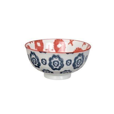 Чаша Tokyo Design Kasuri, сине-красная, 11.2x5.5 смСалатницы, Супницы<br>Фарфоровая чаша небольшого диаметра не только красива, но и довольно практична и удобна. Ее предназначение – порционная подача салатов и закусок. Также она может использоваться как пиала для индивидуальной подачи каш, супов или лапши или общих закусок и салатов, которые сервируются маленькими порциями.<br><br>Серия: Kasuri