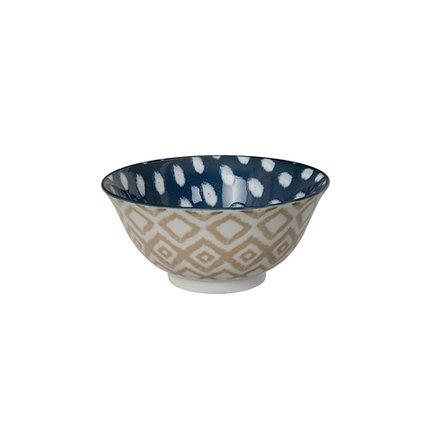 Чаша Tokyo Design Kasuri, сине-бежевая, 15x7 смСалатницы, Супницы<br>Фарфоровая чаша небольшого диаметра не только красива, но и довольно практична и удобна. Ее предназначение – порционная подача салатов и закусок. Также она может использоваться как пиала для индивидуальной подачи каш, супов или лапши или общих закусок и салатов, которые сервируются маленькими порциями.<br><br>Серия: Kasuri