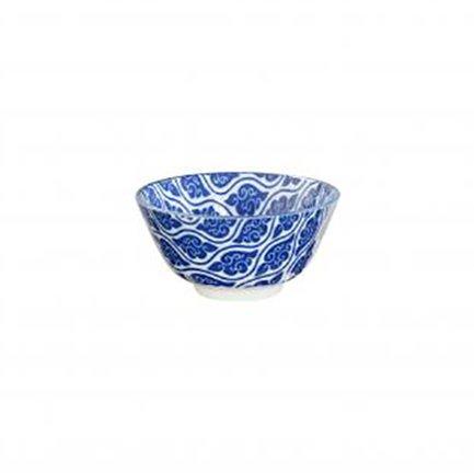 Чаша Tokyo Design Nippon, синяя, 12x6.4 смСалатницы, Супницы<br>Фарфоровая чаша небольшого диаметра не только красива, но и довольно практична и удобна. Ее предназначение – порционная подача салатов и закусок. Также она может использоваться как пиала для индивидуальной подачи каш, супов или лапши или общих закусок и салатов, которые сервируются маленькими порциями.<br><br>Серия: Nippon