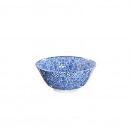 Чаша Tokyo Design Nippon, голубаяя, 15.6x6.8 смСалатницы, Супницы<br>Фарфоровая чаша небольшого диаметра не только красива, но и довольно практична и удобна. Ее предназначение – порционная подача салатов и закусок. Также она может использоваться как пиала для индивидуальной подачи каш, супов или лапши или общих закусок и салатов, которые сервируются маленькими порциями.<br><br>Серия: Nippon