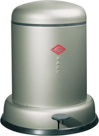 Ведро для мусора с педалью (8 л), 31.2х37.5 см, металлик (117537)Мусорные ведра<br>Этот стильный, компактный контейнер для мусора прекрасно подойдет для улицы, балкона или террасы, отлично впишется в интерьер кухни или ванной. Корпус и крышка контейнера выполнена из высококачественной нержавеющей стали и покрыт лаковой краской, а внутреннее мусорное ведро изготовлено из гальванизированной огнестойкой стали. Контейнер легко открывается при помощи педали, выполненной из прочного нескользящего пластика.<br><br>Серия: Baseboy