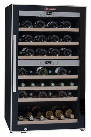 Винный шкаф двухзонный, на 66 бутылок, чёрный, из нержавеющей сталиВинные шкафы<br>Основные характеристики  Отдельно стоящий  Кол-во температурных зон: двухзонный  Вместимость: 66 бут.   Система охлаждения: компрессорная  Температурный режим: от 3 до 22 °C  Стеклянные двери  Дверной упор: петли справа  Климатический класс ST: +18...38 °С  Ширина: 595 мм  Глубина: 630 мм  Высота: 1020 мм  Высота (в упаковке): 1120 мм  Вес (без упаковки): 54 кг  Вес (с упаковкой): 56 кг  Цвет: черный  Технические особенности  Охлаждение с принудительной вентиляцией  Электронный термостат  Регулировка влажности  Хладагент: R600a  Цифровой дисплей с отображением температуры  Антивибрационная система  LED-подсветка белого цвета  Класс энергопотребления: C  Дверной замок  Энергопотребление: 209 кВт/год<br><br>Серия: La Sommeliere Range
