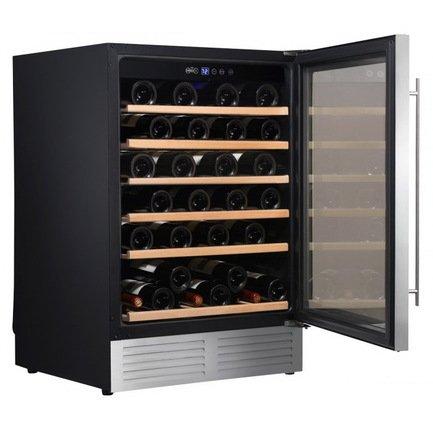 Шкаф для хранения вина на 51 бутылку, встраиваемыйВинные шкафы<br>Основные характеристики  Отдельно стоящий  Встраиваемый  Кол-во температурных зон: монотемпературный   Вместимость: 51 бут.  Система охлаждения: компрессорная  Температурный режим: от 5 до 22°C  Стеклянные двери  Дверной упор: петли справа  Перенавешиваемые двери  Напряжение: 220 В  Климатический класс ST: +18...38 °С  Климатический класс N: +16...32 °С  Ширина: 595 мм  Глубина: 575 мм  Высота: 820 мм  Высота (в упаковке): 865 мм  Вес (без упаковки): 46 кг  Вес (с упаковкой): 50 кг  Цвет: черный  Технические особенности  Антивибрационная система  6 деревянных полок с деревянной лицевой панелью  Голубая светодиодная подсветка  Серебристая дверная рамка  Дверь с двойным анти-УФ стеклопакетом  4 регулируемые ножки  Класс энергоэффективности: B  Уровень шума: 40 дБ  Потребляемая мощность: 0,012 кВт  Потребление электроэнергии: 200 кВт/год  Габариты в упаковке: 670х660х865 мм<br><br>Серия: Climadiff