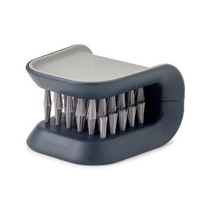Щетка для столовых приборов и ножей BladeBrush, 8х5.2х7.6 см, сераяЧистота и порядок<br><br><br>Серия: BladeBrush