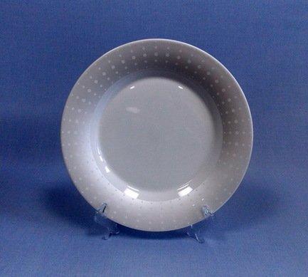Набор подстановочных тарелок Жемчужина, 26.5 см, 6 пр.Тарелки и Блюдца<br>Плоские тарелки круглой формы и среднего диаметра в комплексной сервировке стола выполняют декоративную функцию. На эти тарелки не кладут еду, это так называемые подстановочные или сервисные тарелки. На них ставятся тарелки для основного блюда малого диаметра и суповые тарелки. Наличие подставочных тарелок на столе означает совершенное знание этикета хозяйки.<br><br>Серия: Жемчужина
