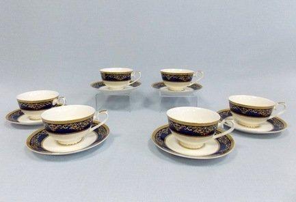Набор чашек Элегия в кобальте на 6 персон, 12 пр.Чашки и Кружки<br>Набор изящных фарфоровых чашек и блюдец идеален для сервировки чаепития на шесть персон. Крепкий ароматный напиток в белоснежной фарфоровой чашке выглядит очень красиво и остается горячим довольно долго. На маленькое блюдце удобно класть чайную ложечку или небольшой десерт к чаю – конфеты или печенье.<br><br>Серия: Элегия в кобальте<br>Состав: Чашка (250 мл) - 6 шт., Блюдце - 6 шт.